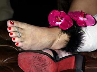 smith toes nicole Anna
