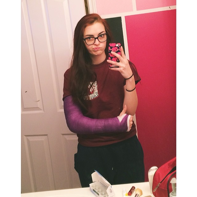 PurpLac Selfmirr BGlassesjpg Pixel Cast Pinterest - 15 brilliantly decorated casts well worth broken bones